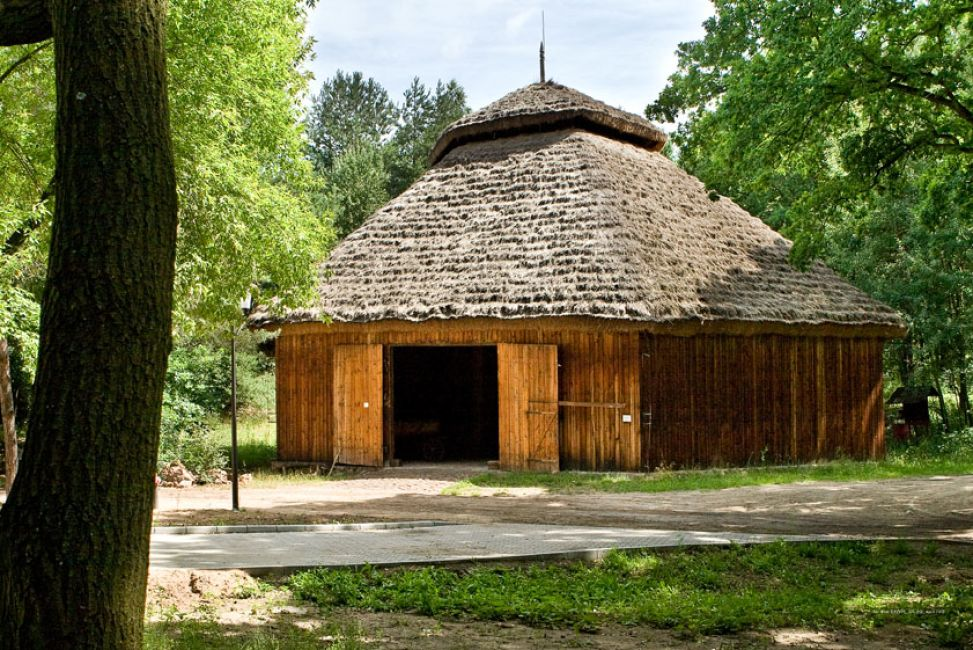 Hexagonal barn from Grójec from the second half